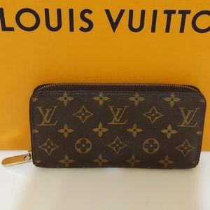 💯Authentic Louis vuitton monogram zippy wallet